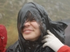 Alexandra, incercand sa mai scape de ploaie